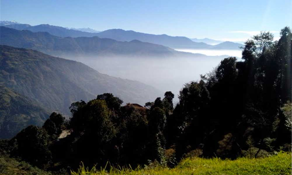 how difficult is helambu pach pokhari trek?