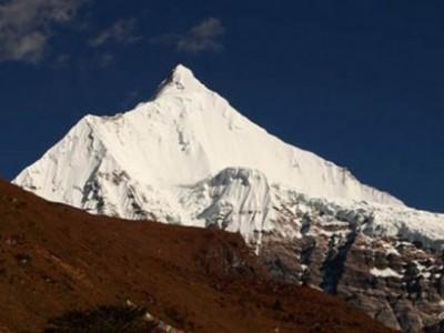 Chhomolhari Trek